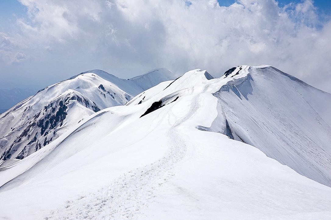 残雪期・奥大日岳・奥大日岳振り返る