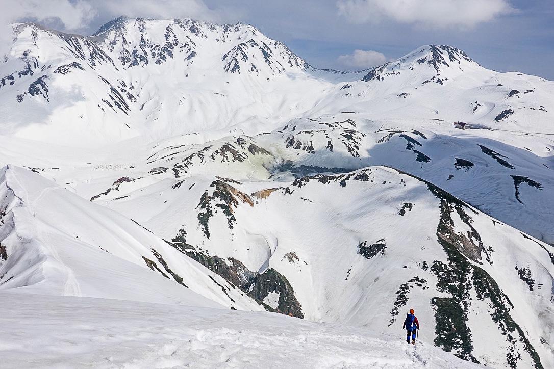 残雪期・奥大日岳・奥大日岳からの立山の山々