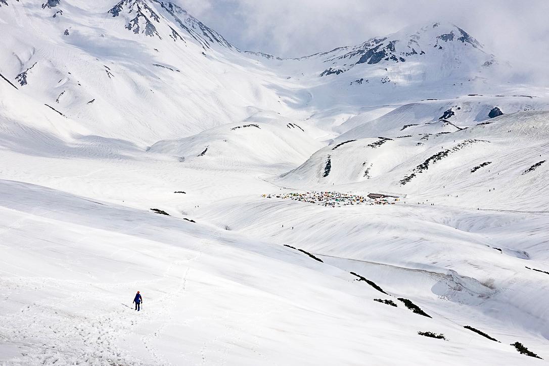残雪期・奥大日岳・雷鳥沢キャンプ場へ