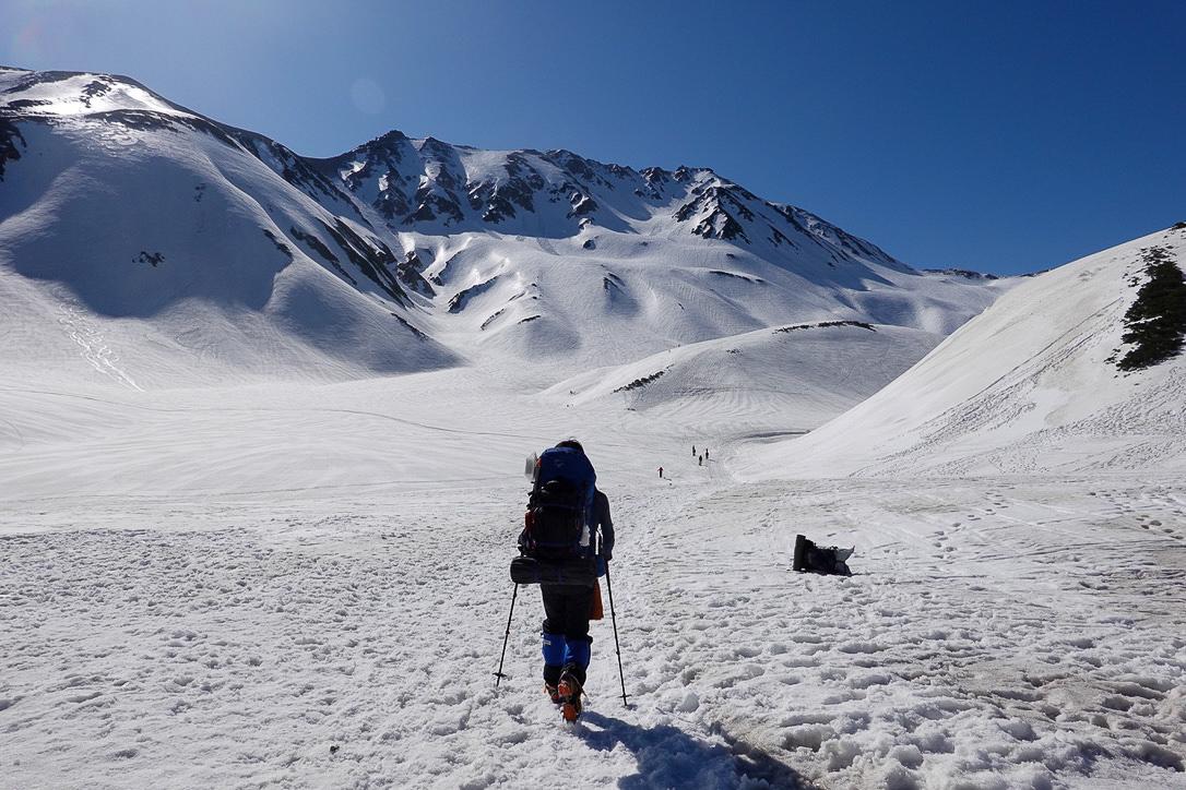 残雪期・立山(雄山)・雷鳥沢キャンプ場からの立山