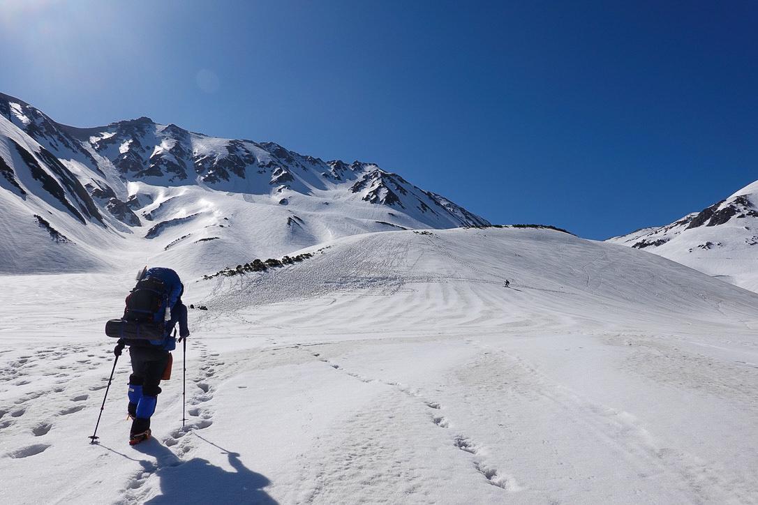 残雪期・立山(雄山)・雷鳥沢キャンプ場から一ノ越へ