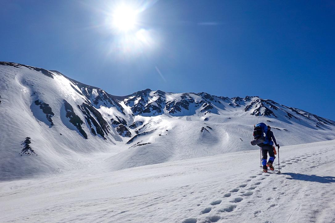 残雪期・立山(雄山)・快晴の立山