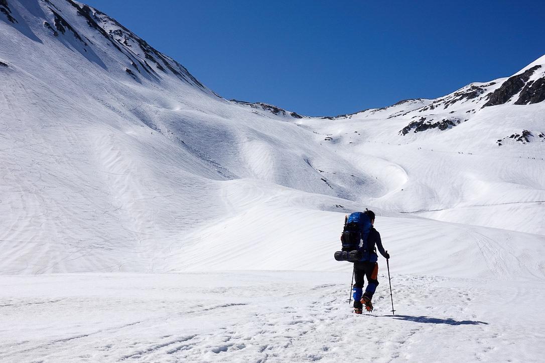 残雪期・立山(雄山)・絶景の立山