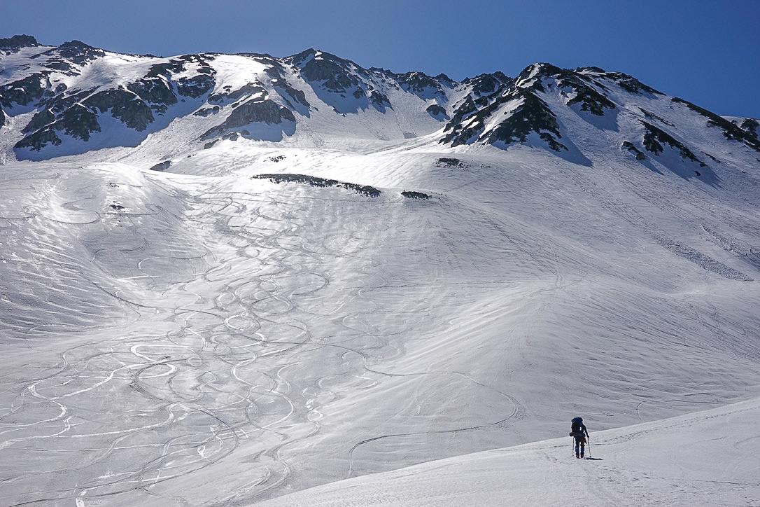 残雪期・立山(雄山)・シュプール
