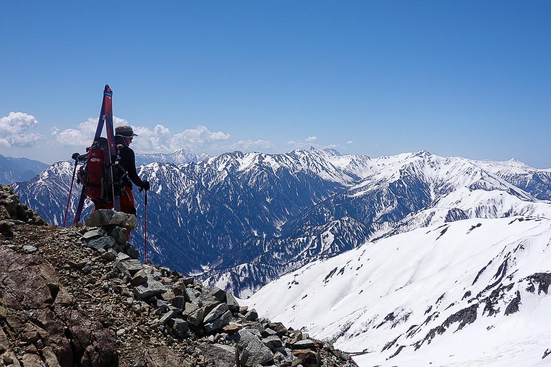 残雪期・立山(雄山)・雄山からの北アルプス