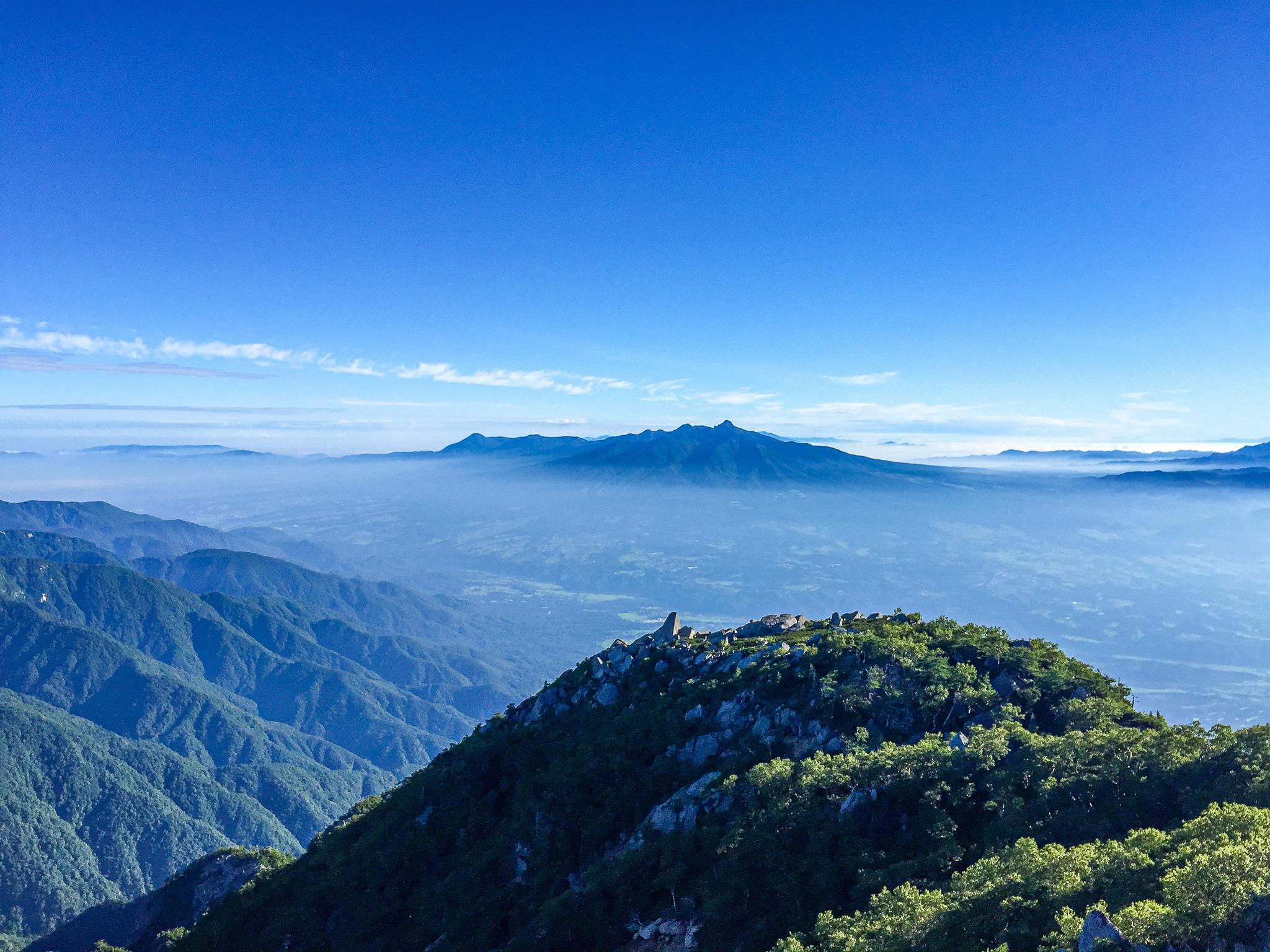 鳳凰三山・地蔵岳のオベリスクからの八ヶ岳