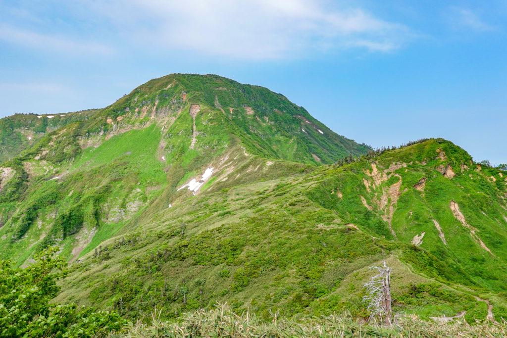 苗場山・神楽ヶ峰からの苗場山、その2