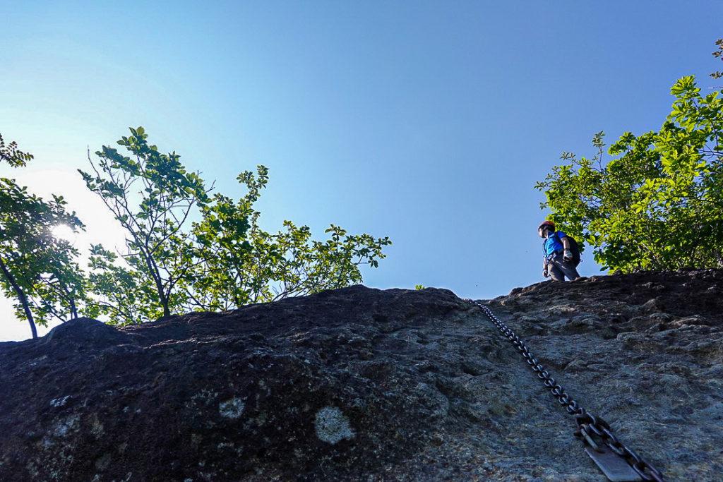 妙義山・表妙義(白雲山、相馬岳)・ビビリ岩、鎖直立2m
