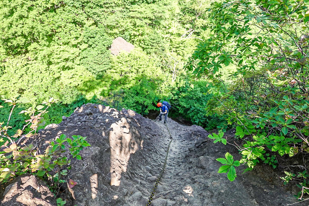 妙義山・表妙義(白雲山、相馬岳)・滑り台状10m2本と30m鎖