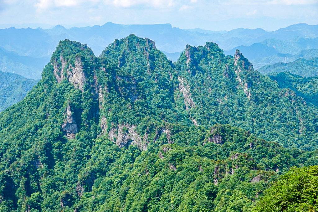 妙義山・表妙義(白雲山、相馬岳)・相馬岳山頂からの金洞山