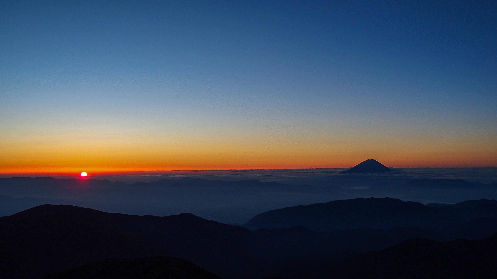 北岳・日本で二番目に高い場所からのご来光