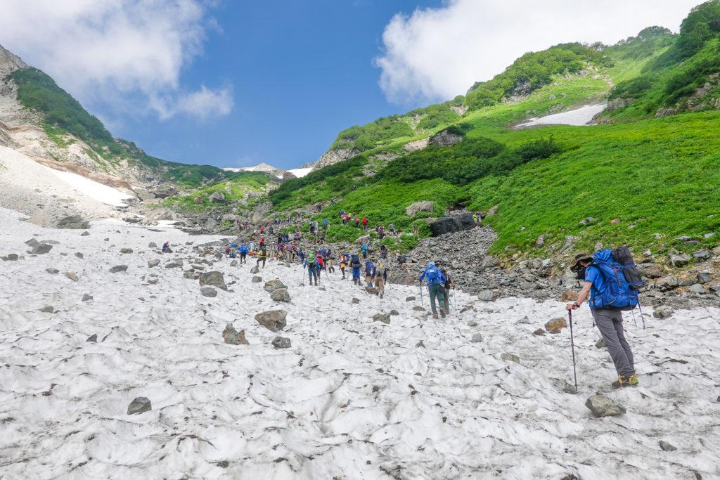 白馬岳・大雪渓抜けました
