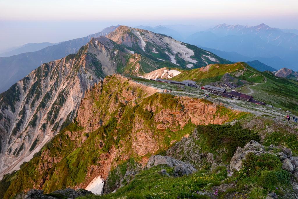 白馬岳・白馬岳山頂からの白馬三山(日の出後)
