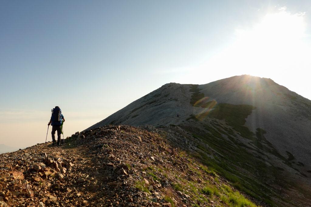 白馬岳・逆光の小蓮華山