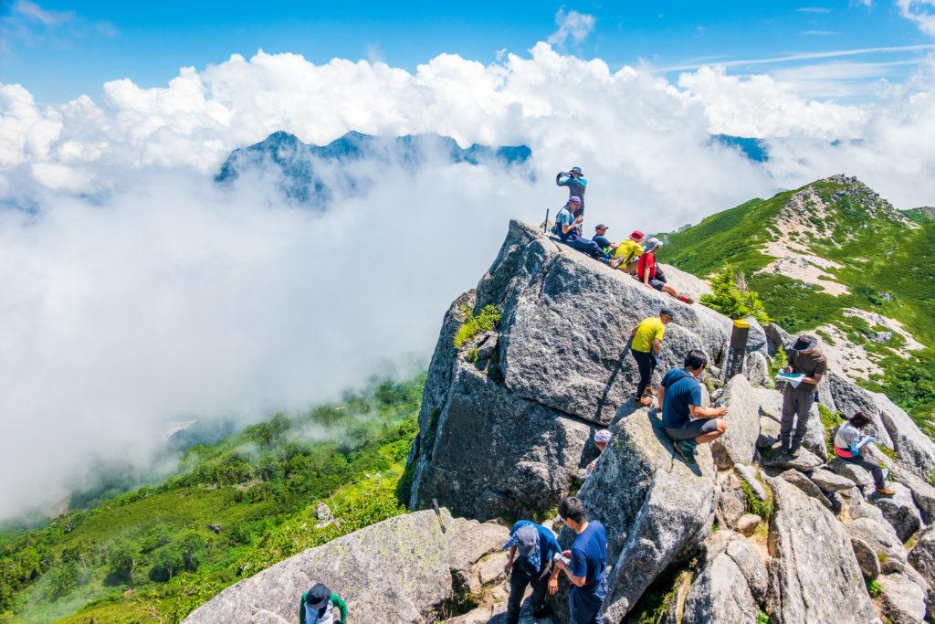 裏銀座・烏帽子岳・烏帽子岳の一番高いところからニセ烏帽子方面