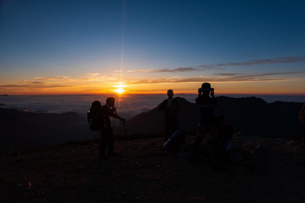 裏銀座・三ッ岳からの朝日