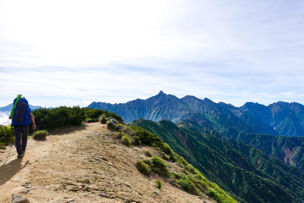 裏銀座・樅沢岳から槍ヶ岳へと続く稜線