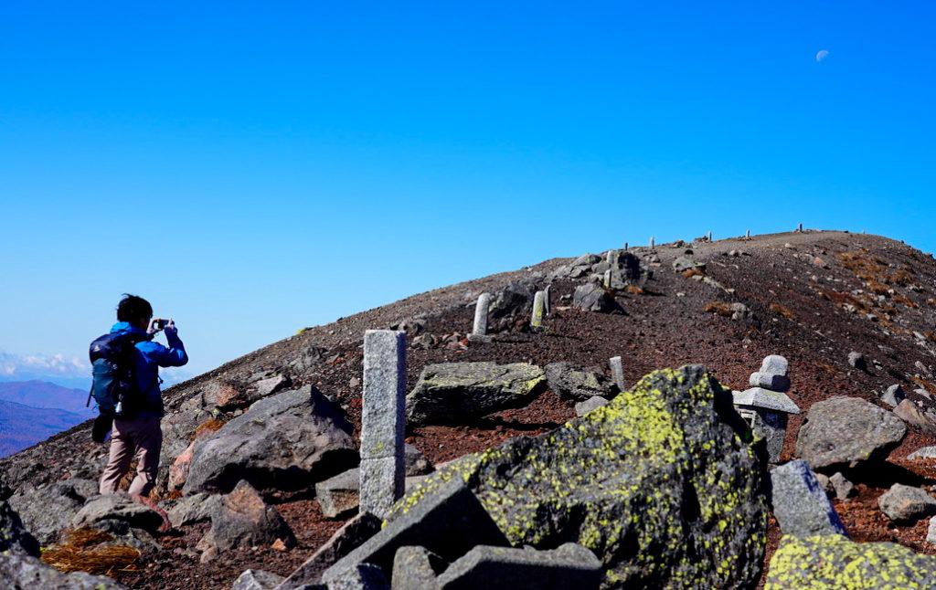 岩手山・お鉢巡りは左から(時計回り)