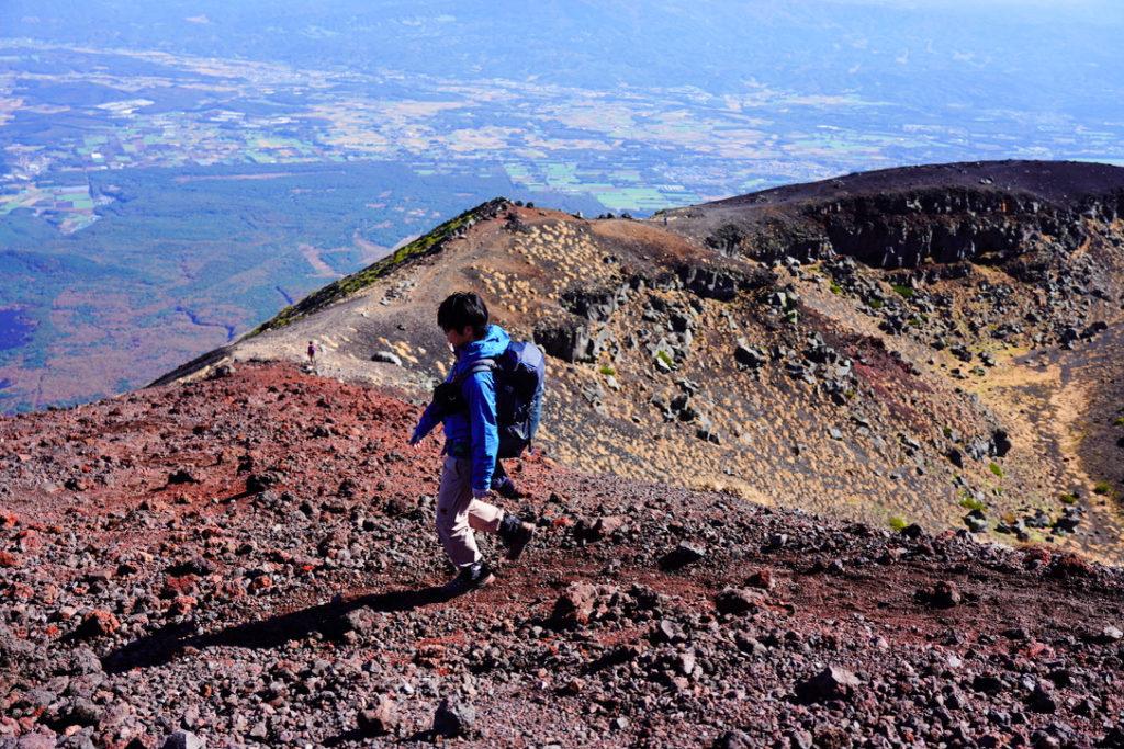 岩手山・岩手山山頂から下山を開始