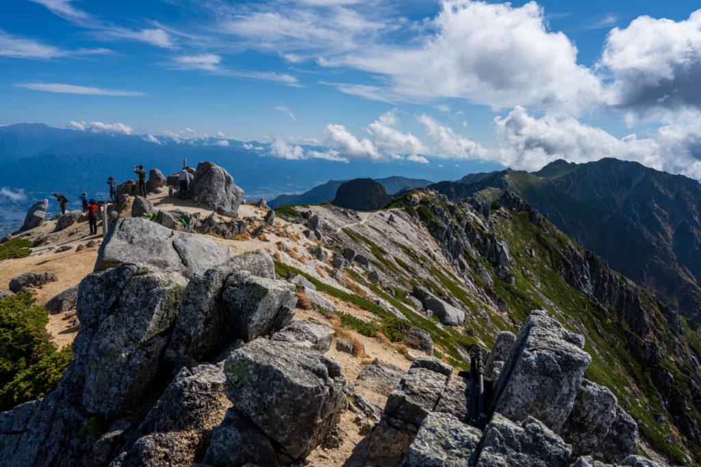 空木岳・赤梛岳、南駒ヶ岳、越百山へと続く稜線