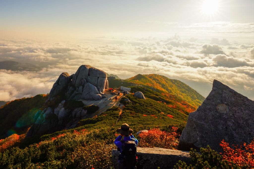 空木岳・駒石と雲海と