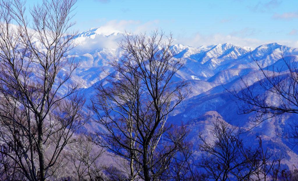 積雪期・荒島岳・白山連峰の素晴らしい展望