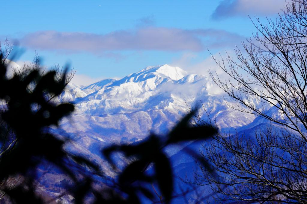 積雪期・荒島岳・白山連峰の素晴らしい展望(アップ)