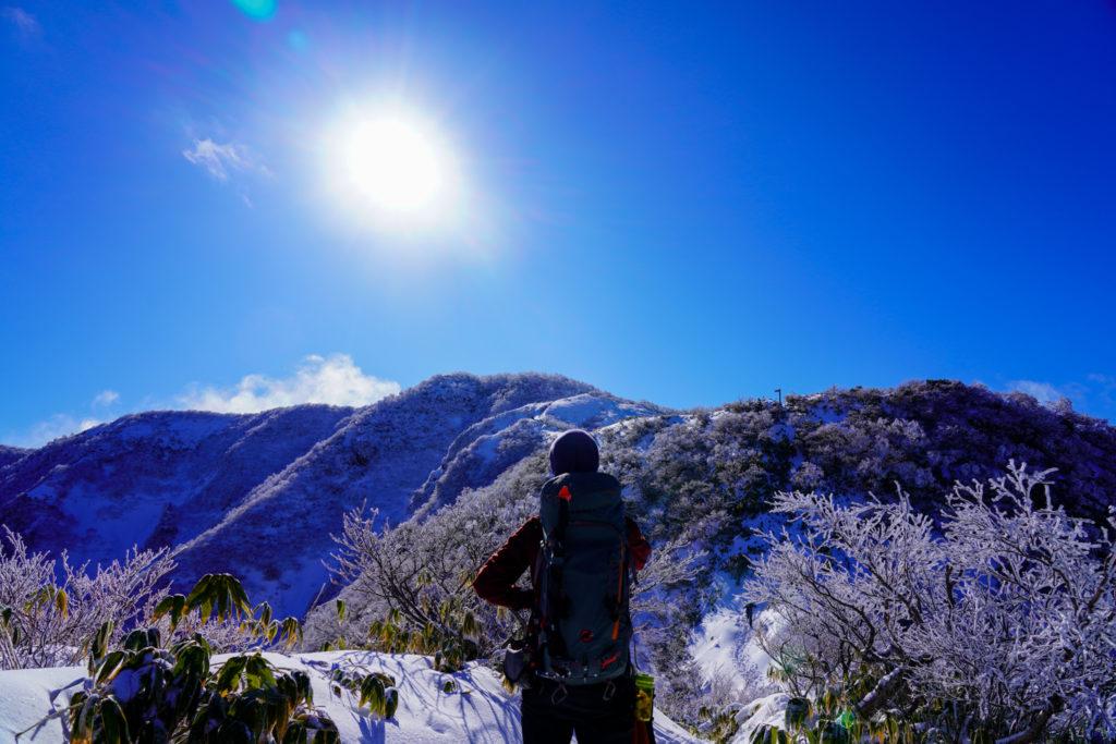 積雪期・荒島岳・青空の荒島岳