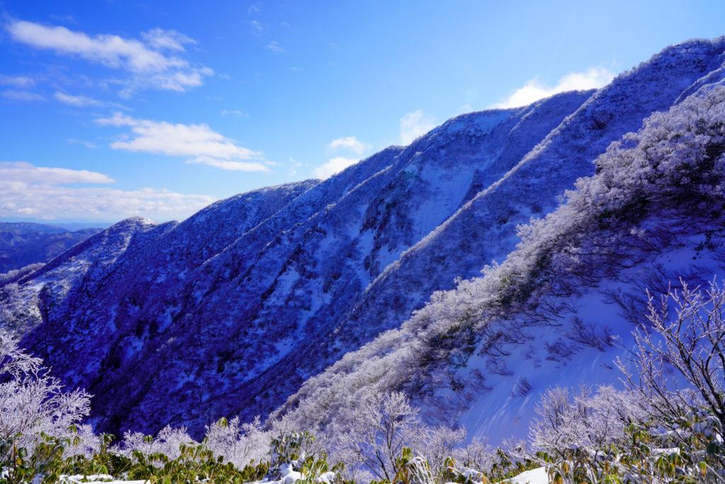 積雪期・荒島岳・新・下山コースの稜線