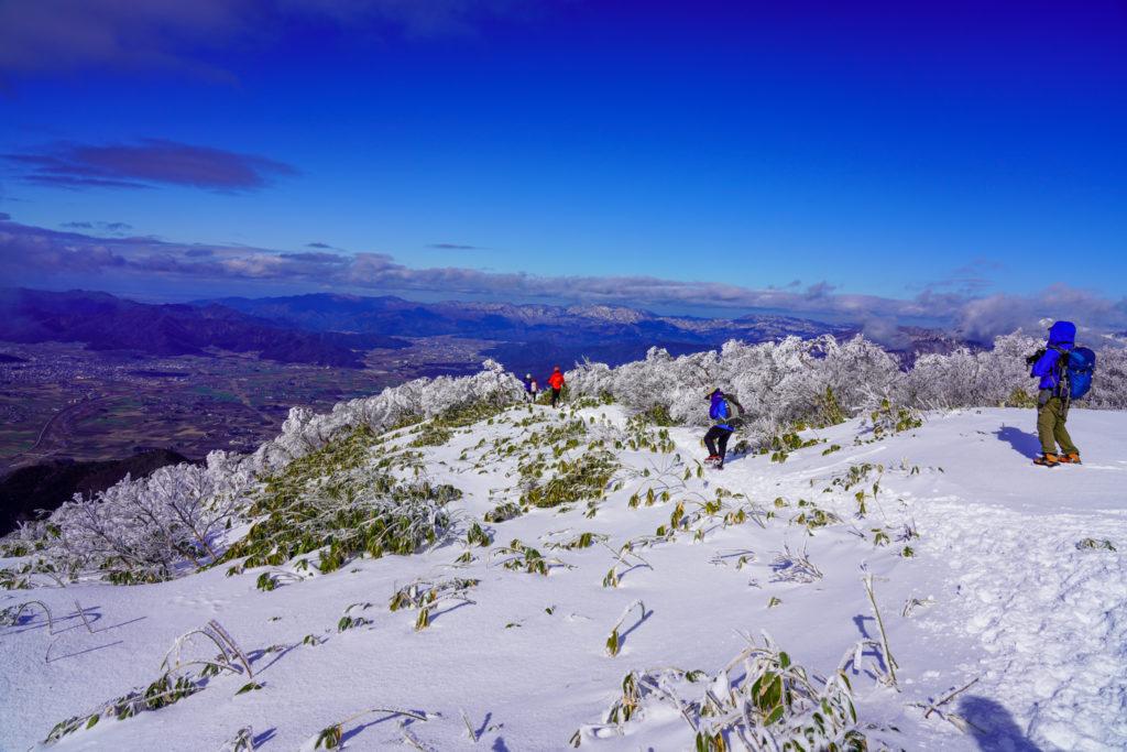 積雪期・荒島岳・荒島岳、下山を開始