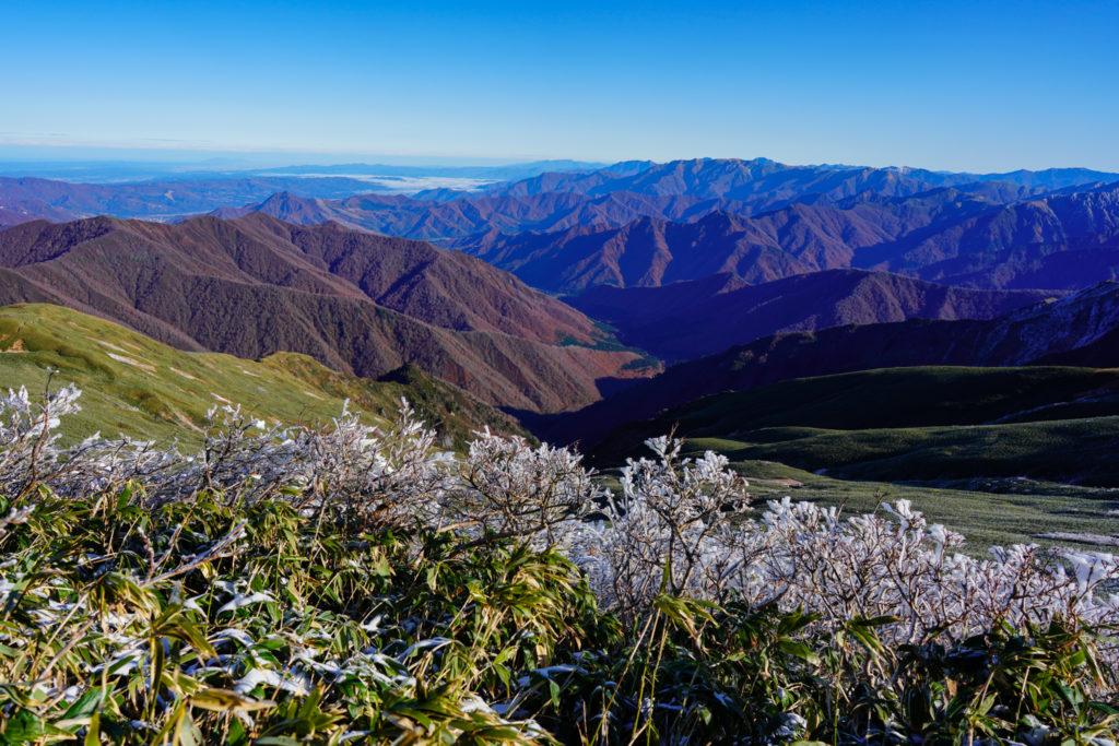 平標山・仙ノ倉山・平標山山頂からの展望