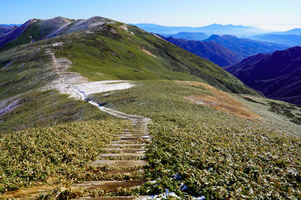 平標山・仙ノ倉山・平標山から見る仙ノ倉山