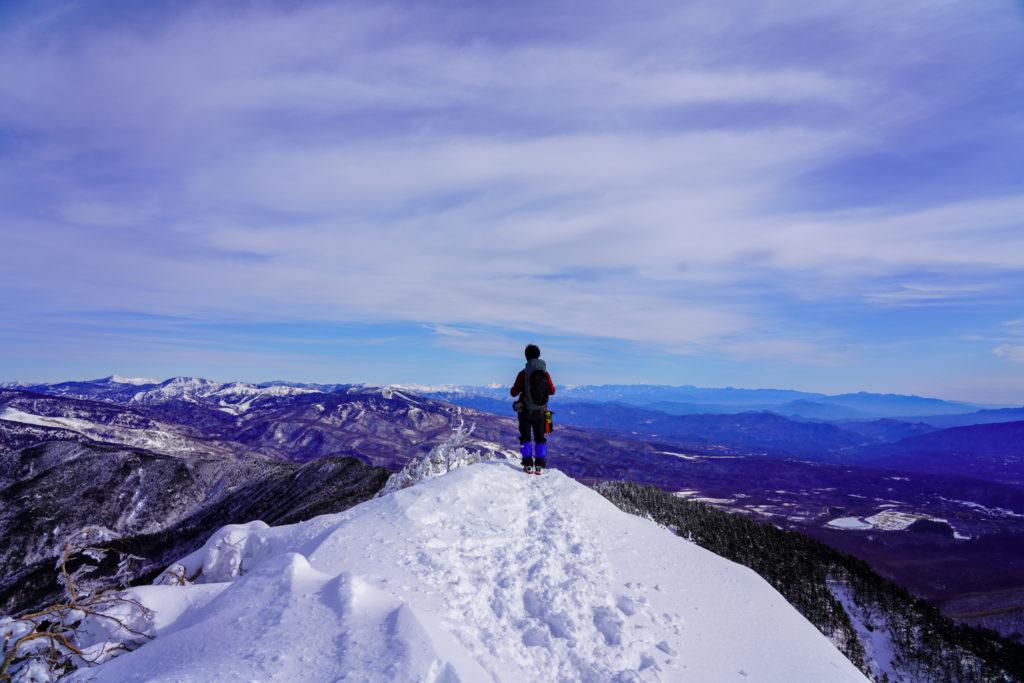 厳冬期・四阿山・山頂から岩菅山・横手山・草津白根山を望む
