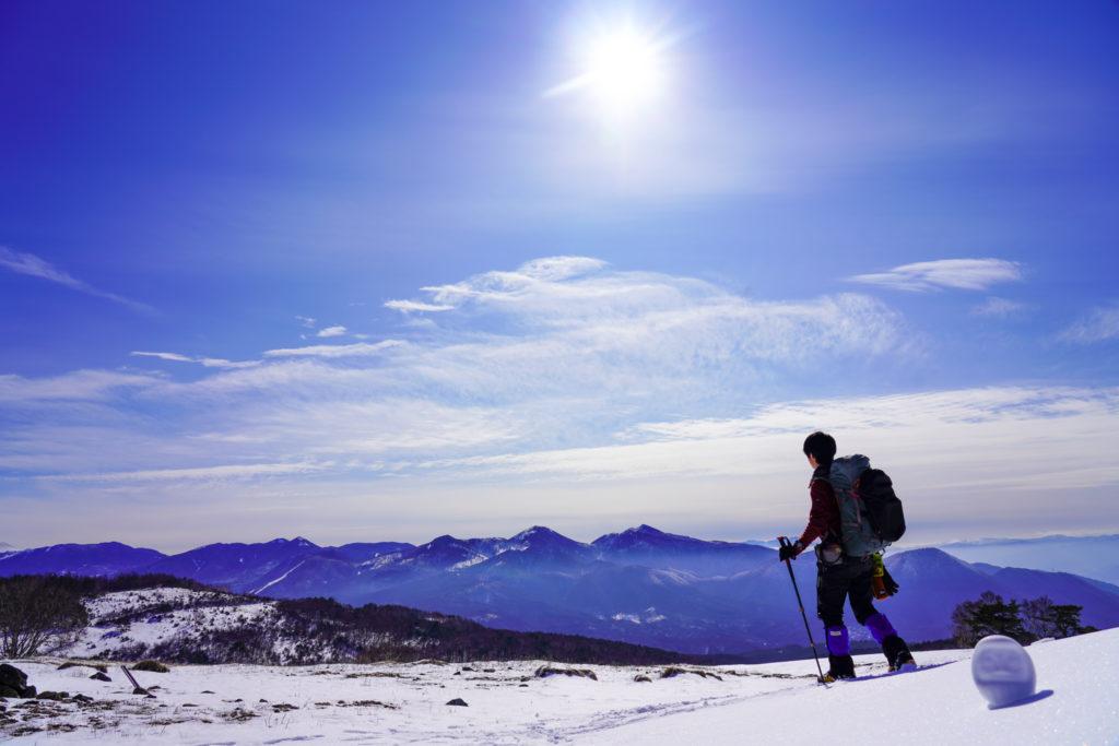 厳冬期・四阿山・雪原を歩く(オマケにダルマ)