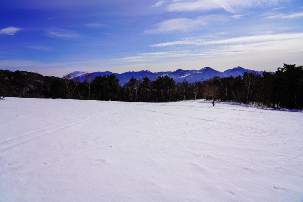 厳冬期・四阿山・雪原を歩く、歩く