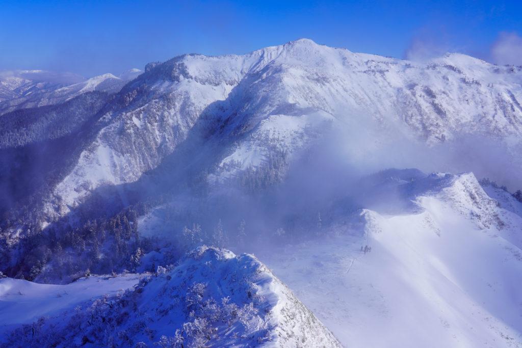 厳冬期・武尊山・剣ヶ峰山・剣ヶ峰山山頂からの武尊山