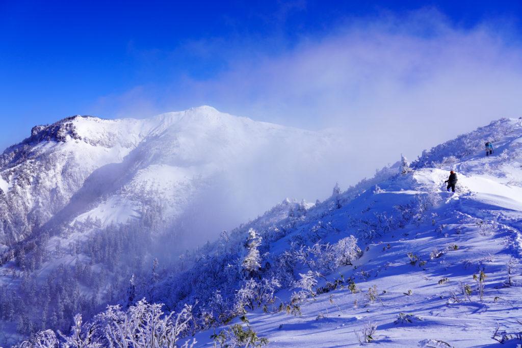 厳冬期・武尊山・剣ヶ峰山・武尊山へ