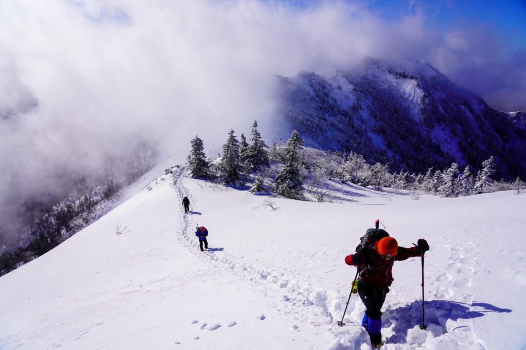 厳冬期・武尊山・剣ヶ峰山・高度をあげていく