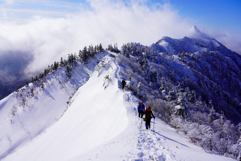 厳冬期・武尊山・剣ヶ峰山・どこからみても絵になる剣ヶ峰山
