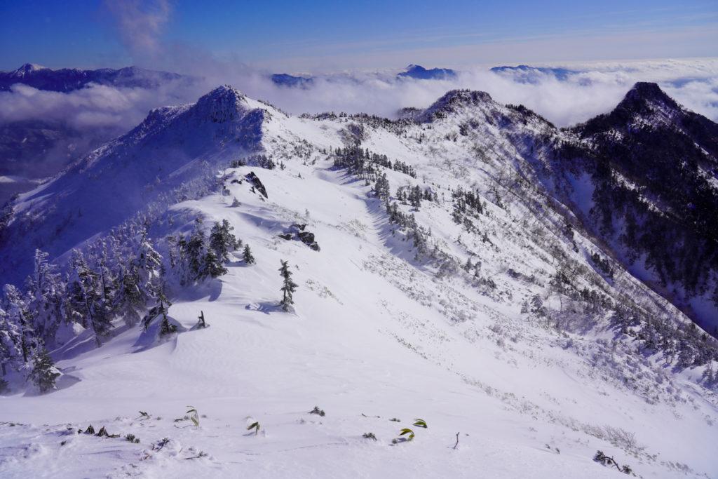厳冬期・武尊山・剣ヶ峰山・武尊山から前武尊山への稜線