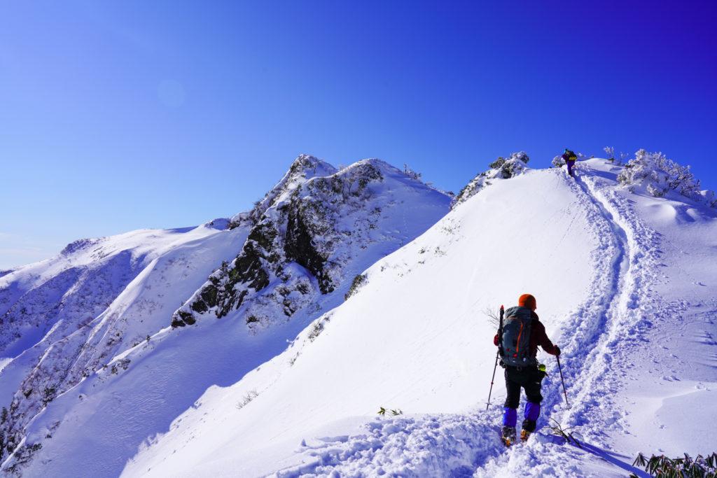 厳冬期・武尊山・剣ヶ峰山・快晴の稜線