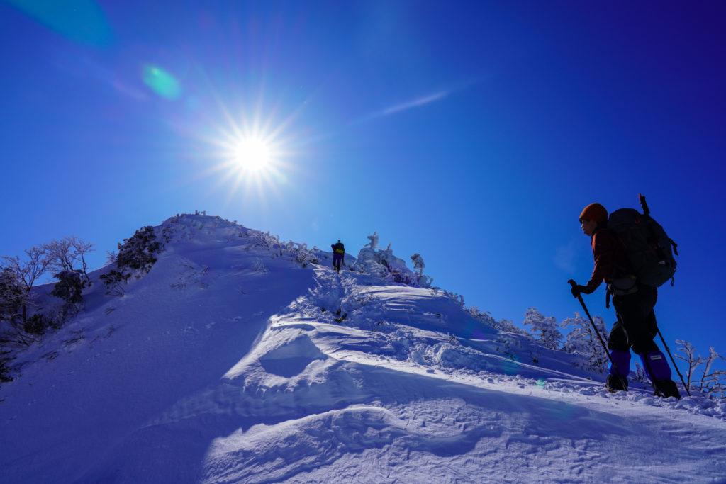 厳冬期・武尊山・剣ヶ峰山・快晴の稜線、その2