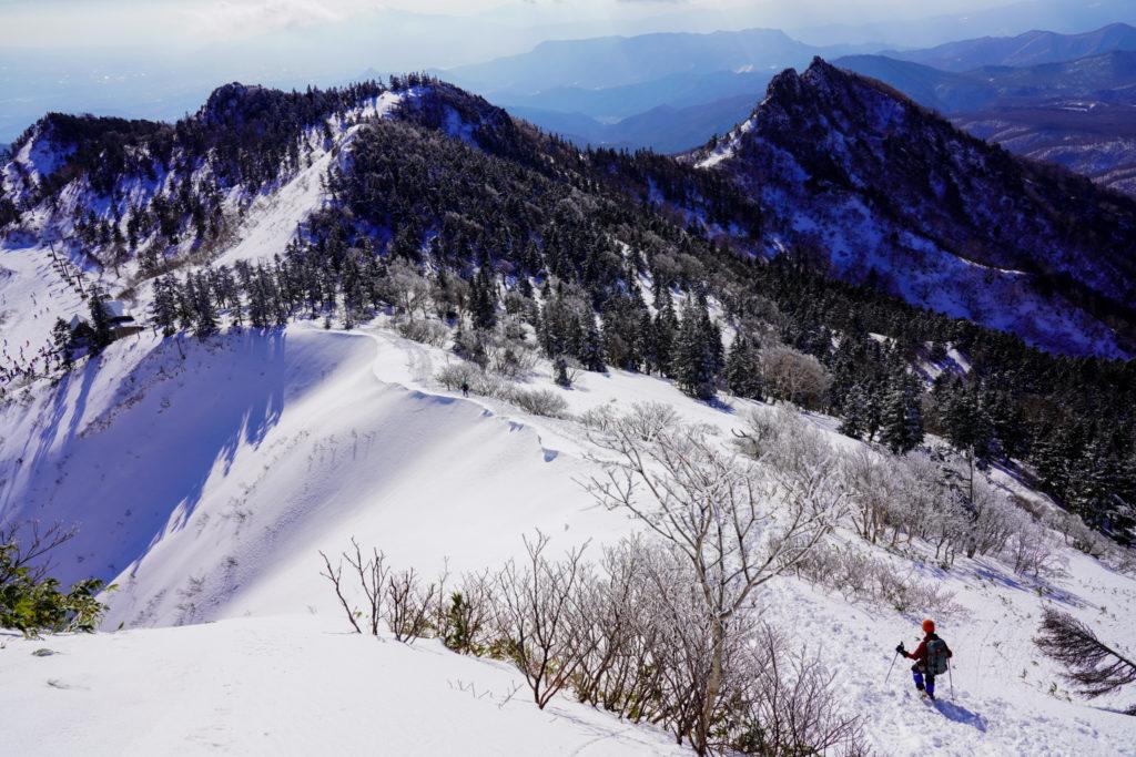厳冬期・武尊山・剣ヶ峰山・川場スキー場へ下山