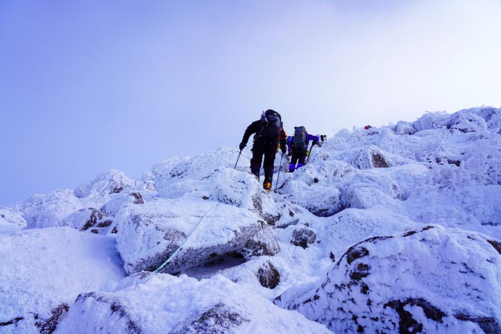 厳冬期・天狗岳・西天狗への最後の登り3