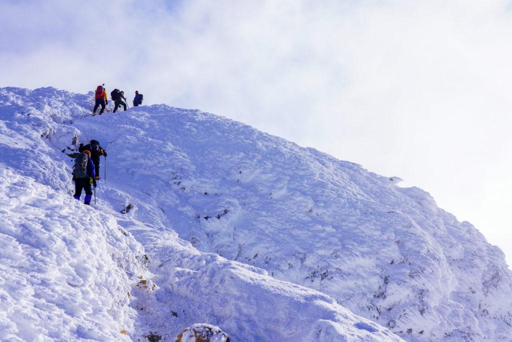 厳冬期・天狗岳・西天狗の山頂へ