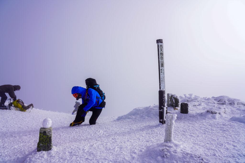 厳冬期・天狗岳・西天狗岳山頂と雪だるま
