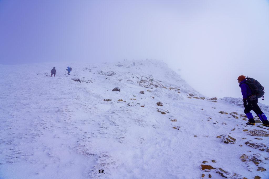 厳冬期・天狗岳・東天狗の最後の登り