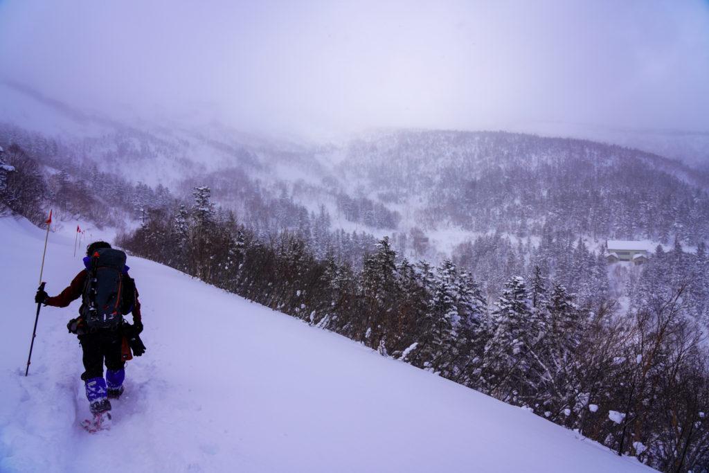 厳冬期・乗鞍岳・位ヶ原山荘が見えてきた
