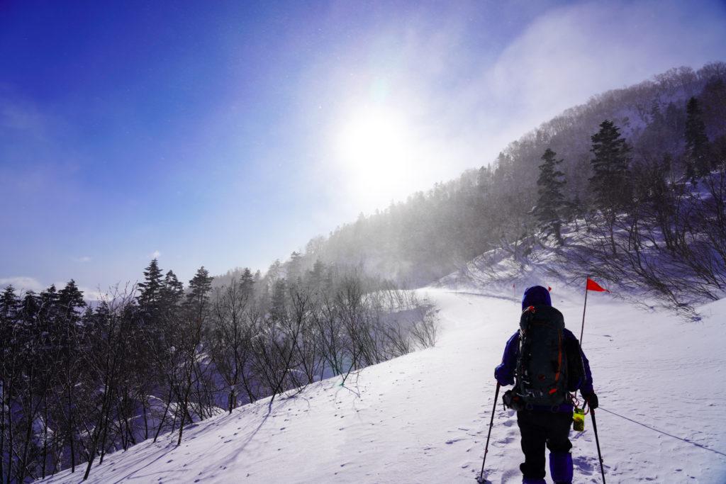 厳冬期・乗鞍岳・道がわからずツアーコース終点を目指します