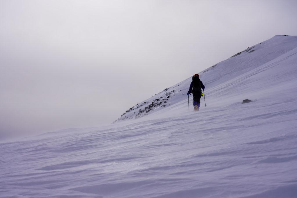 厳冬期・乗鞍岳・風が強く吹いている